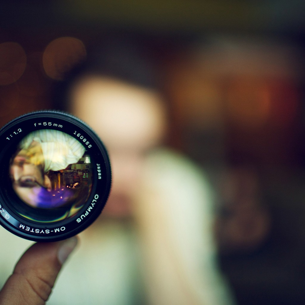 camera-lens-self-portrait-photography-hd-wallpaper-2560x1600-6083 (2)